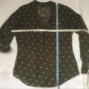 a.n.a Tops - A.N.A. Green chiffon print button front blouse